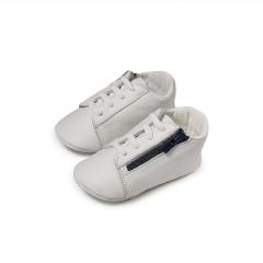 Δερμάτινο sneaker αγκαλιάς με φερμουάρ Babywalker