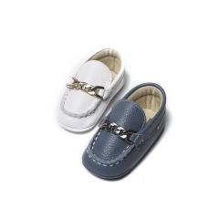 Δερμάτινα loafer με μεταλλική αλυσίδα Babywalker