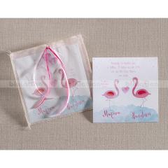 Προσκλητήριο βάπτισης για δίδυμες με ροζ φλαμίνγκο Biniatian