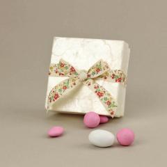 Μπομπονιέρα γάμου κουτί από φίλντισι