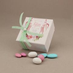 Μπομπονιέρα βάπτισης χάρτινο κουτάκι με ονειροπαγίδα και λουλούδια