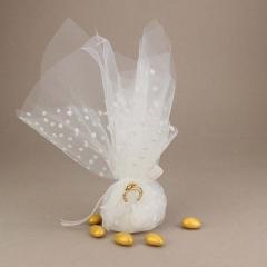 Μπομπονιέρα γάμου από διπλό τούλι με πουά και μεταλλικό διακοσμητικό