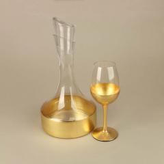 Καράφα και ποτήρι γυάλινα με χρυσή λεπτομέρεια