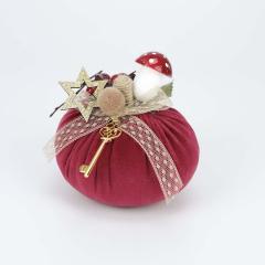Χριστουγεννιάτικη κολοκύθα βελούδινη με ξύλινο αστέρι