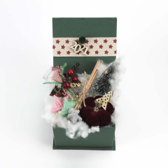 Χριστουγεννιάτικο κουτάκι δώρων αρωματικά και κολοκύθα