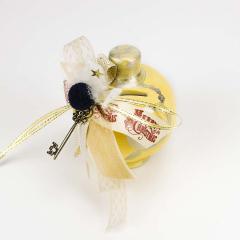 Πήλινος κουμπαράς κίτρινος με ασημί λεπτομέρειες