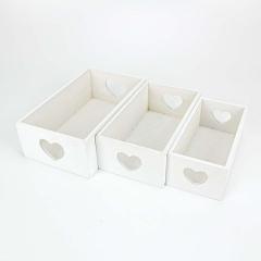 Ξύλινα καφασάκια με καρδιές σε λευκό χρώμα