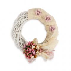 Ξύλινο στεφάνι πλεγμένο με λουλούδια