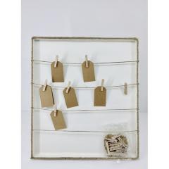 Λευκό ξύλινo κάδρο ευχών με σχοινί και καρτελάκια