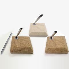 Μεταλλικός στυλό με βάση σε κουτί ασημί
