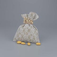 Μπομπονιέρα γάμου πουγκί λινάτσα με δαντέλα