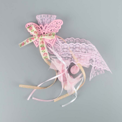Μπομπονιέρα βάπτισης κρεμαστή πεταλούδα ροζ