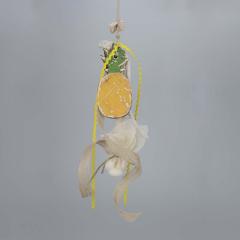 Μπομπονιέρα βάπτισης κρεμαστή με γύψινο ανανά