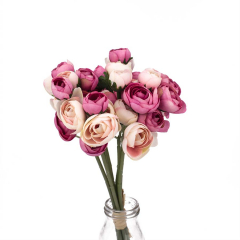 Ροζ τριαντάφυλλο σε μπουκέτο