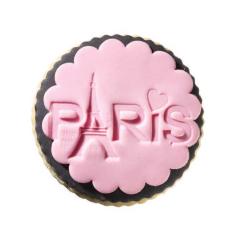 Στρόγγυλο μπισκότο ζαχαρόπαστας με επιγραφή PARIS