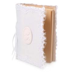 Βιβλίο ευχών με λευκή δαντέλα και οβάλ αρωματικά περιστέρια